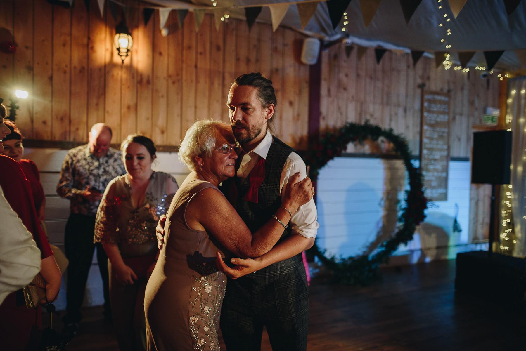 Wellbeing_Farm_Wedding_Photography_The_Pin-Up_Bride_Lara_Shaun-147.jpg