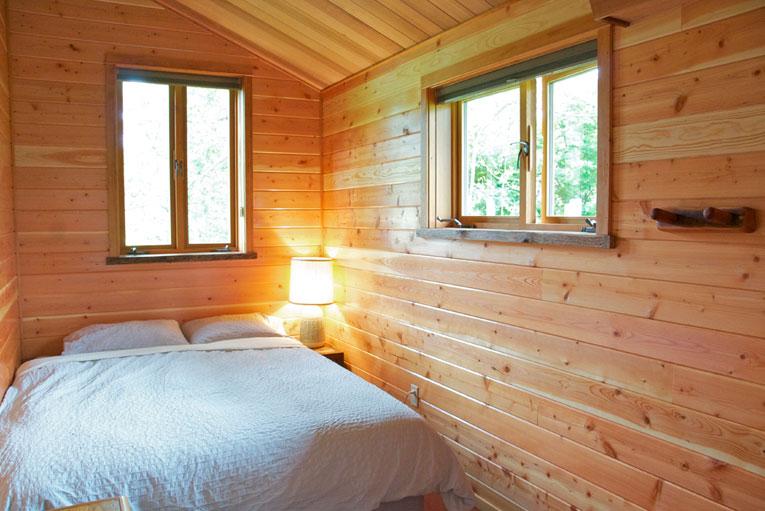retreats-06-bathhouse-single-room.jpg