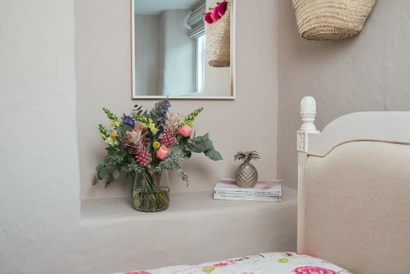 89-Petals-Flower-Subscription-Service-Sophie-Carefull-Photography-Web-1_cb95d116-60bf-439a-834d-983f886214d9_590x.jpg