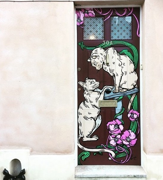 We love this one of kind door captured by @hannah_emily_m.  Remember if you spot any doors be sure to use #bristoldoors