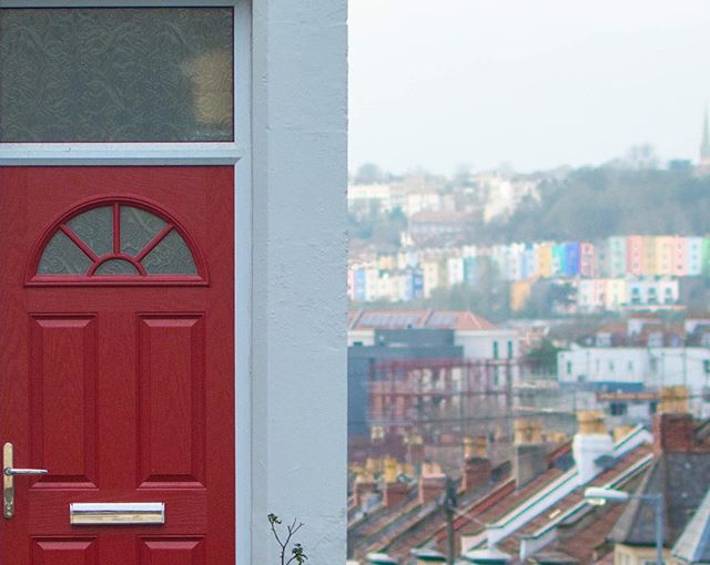 Love this image shot by our photographer @seenbysuzie! 🌈. #BristolDoors