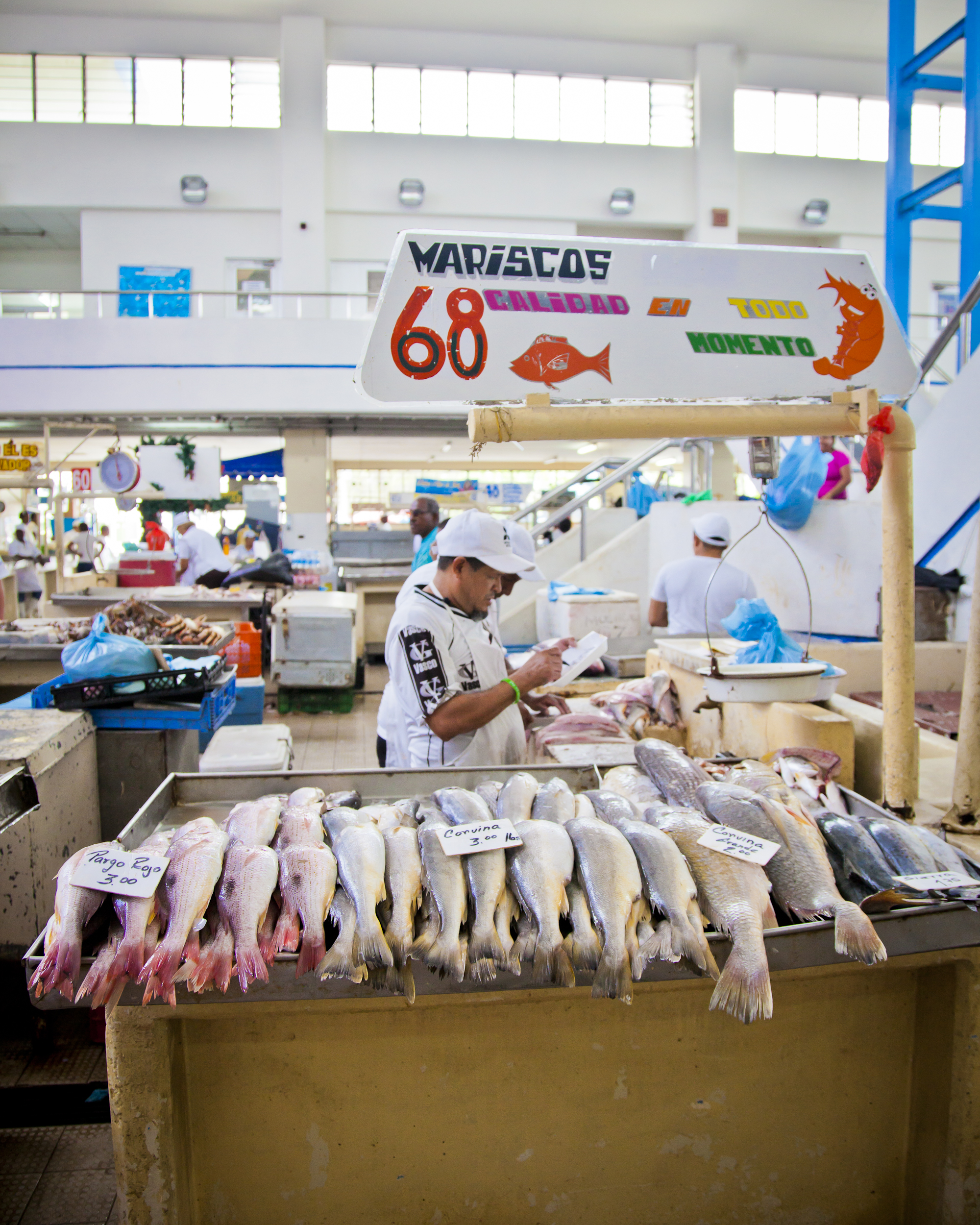 J.Brown Photography Mercado de Mariscos