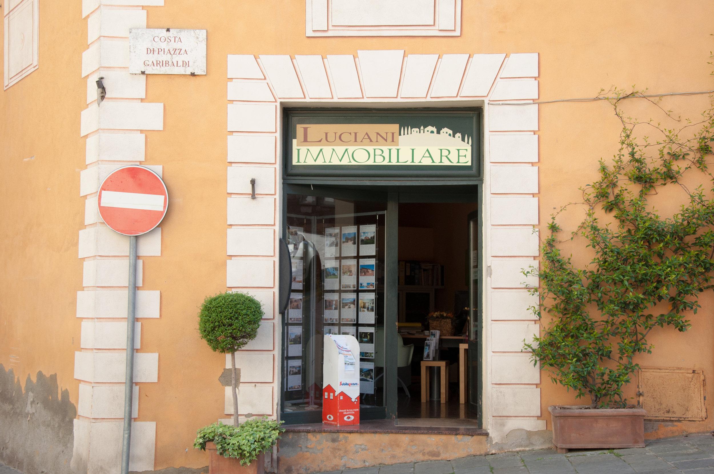 fresco-storefront.jpg