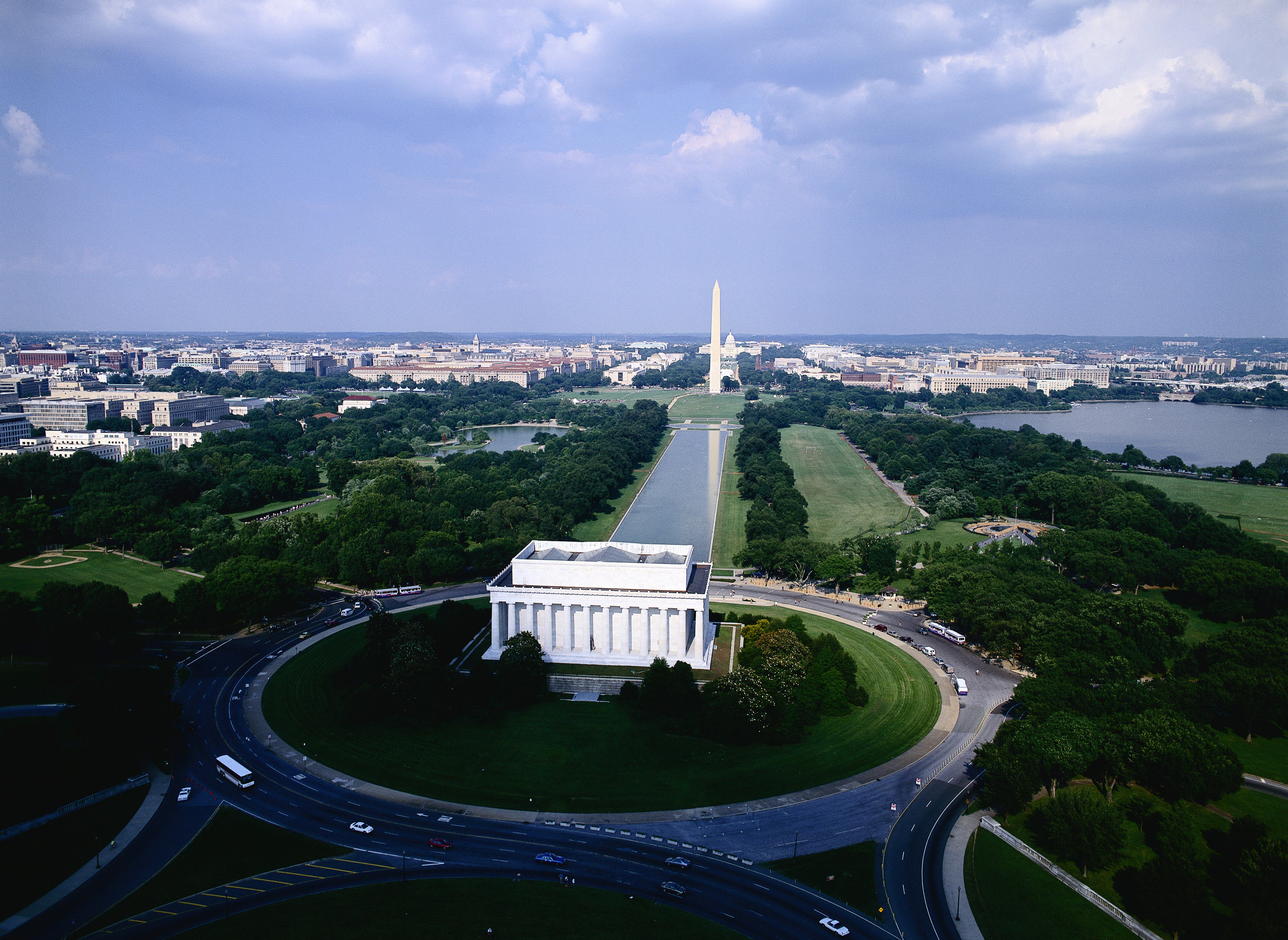 district-of-columbia-lincoln-memorial-washington-monument.jpg