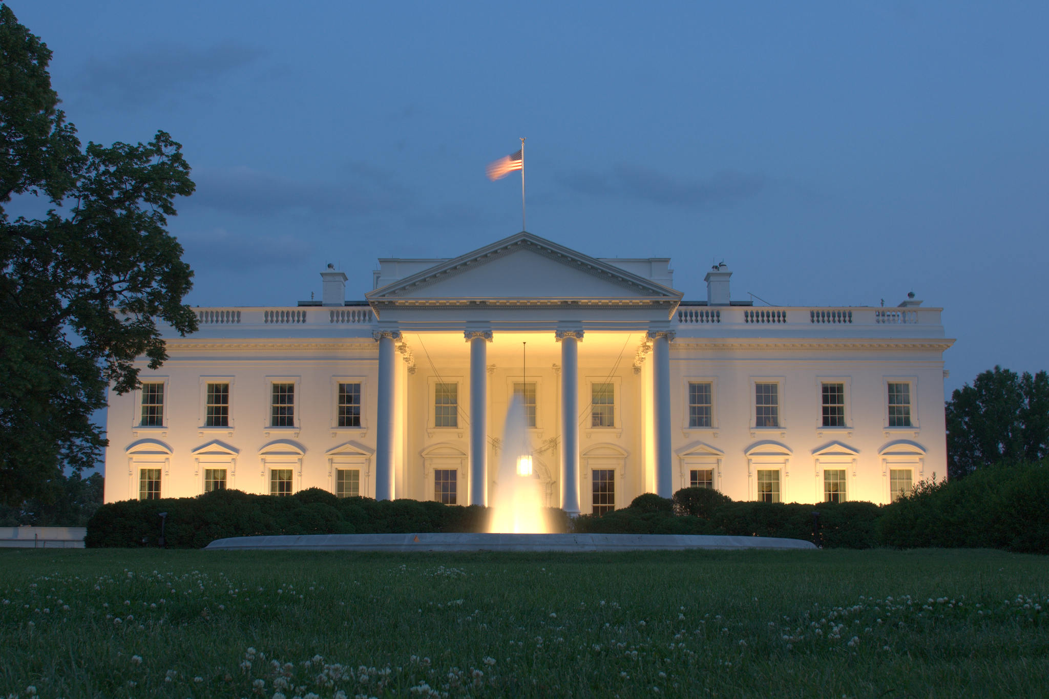 White_House_Front_Dusk_Alternate.jpg