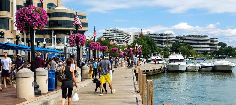 georgetown-waterfront-with-boats-visitors_credit-washington-harbour.jpg