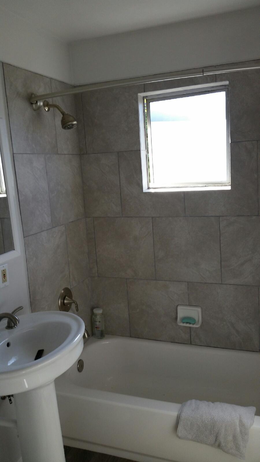 La Grande Bathroom remodel 4.JPG