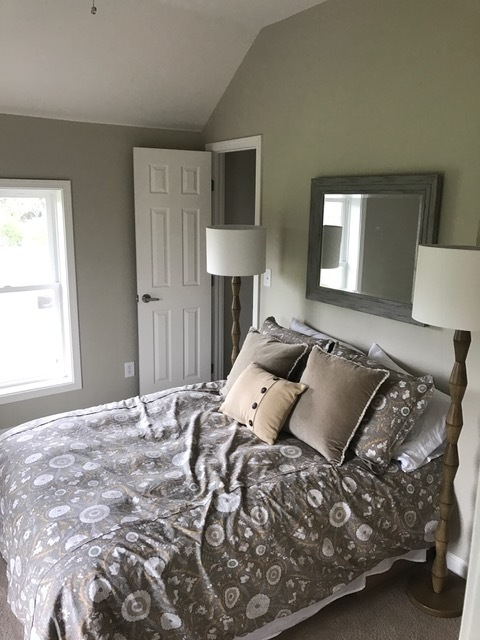 Redwood Rd. Bedroom 2.JPG