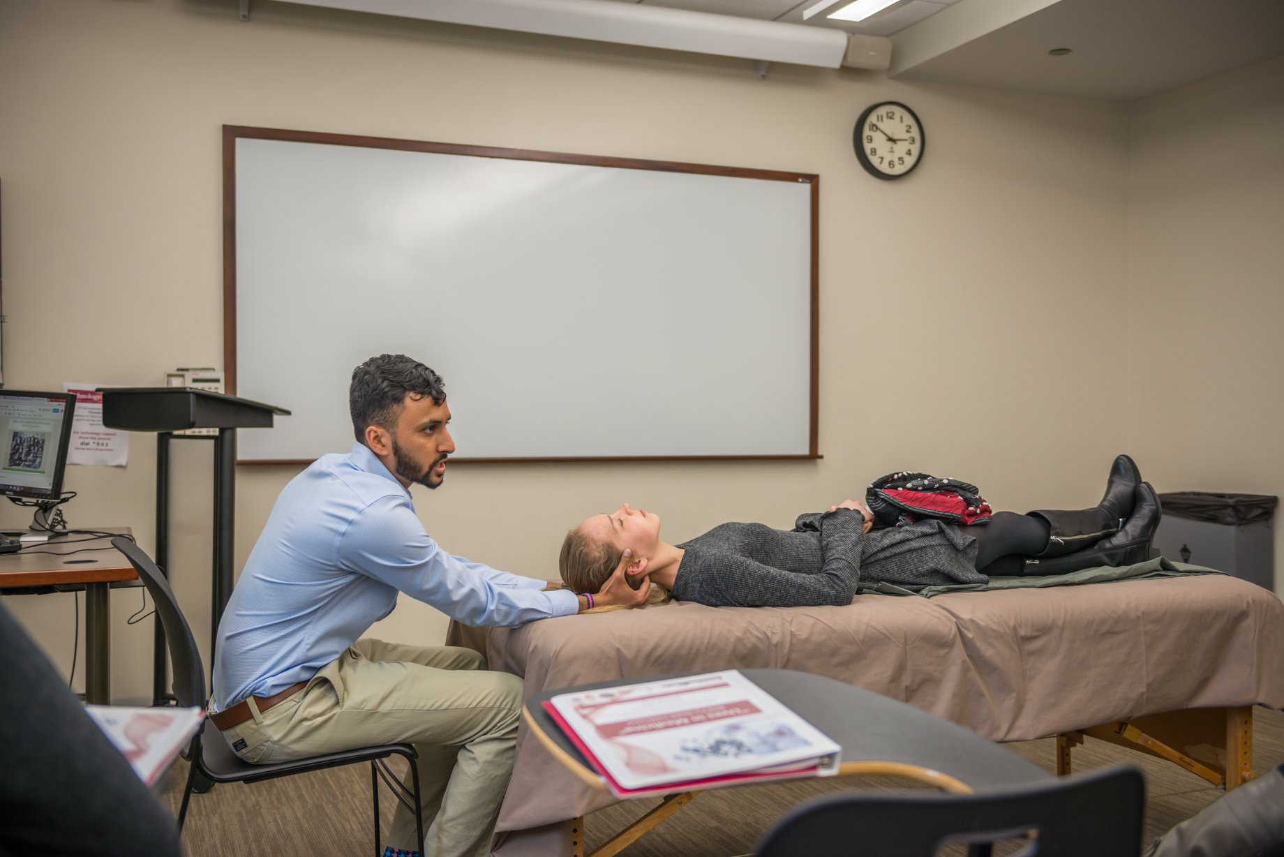 Gurjit Saini represented Chicago College of Osteopathic Medicine introduced prospective pre-health students to what it means to be an osteopathic physician.