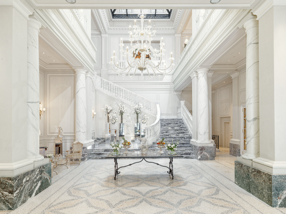 Oh, hey, come on in. All photos courtesy of Palazzo Parigi Hotel & Gran Spa.