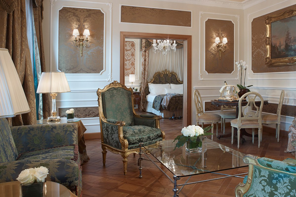 Montenapoleone Terrace Suite. All photos by Diego de Pol / Courtesy of Baglioni Hotel Carlton.