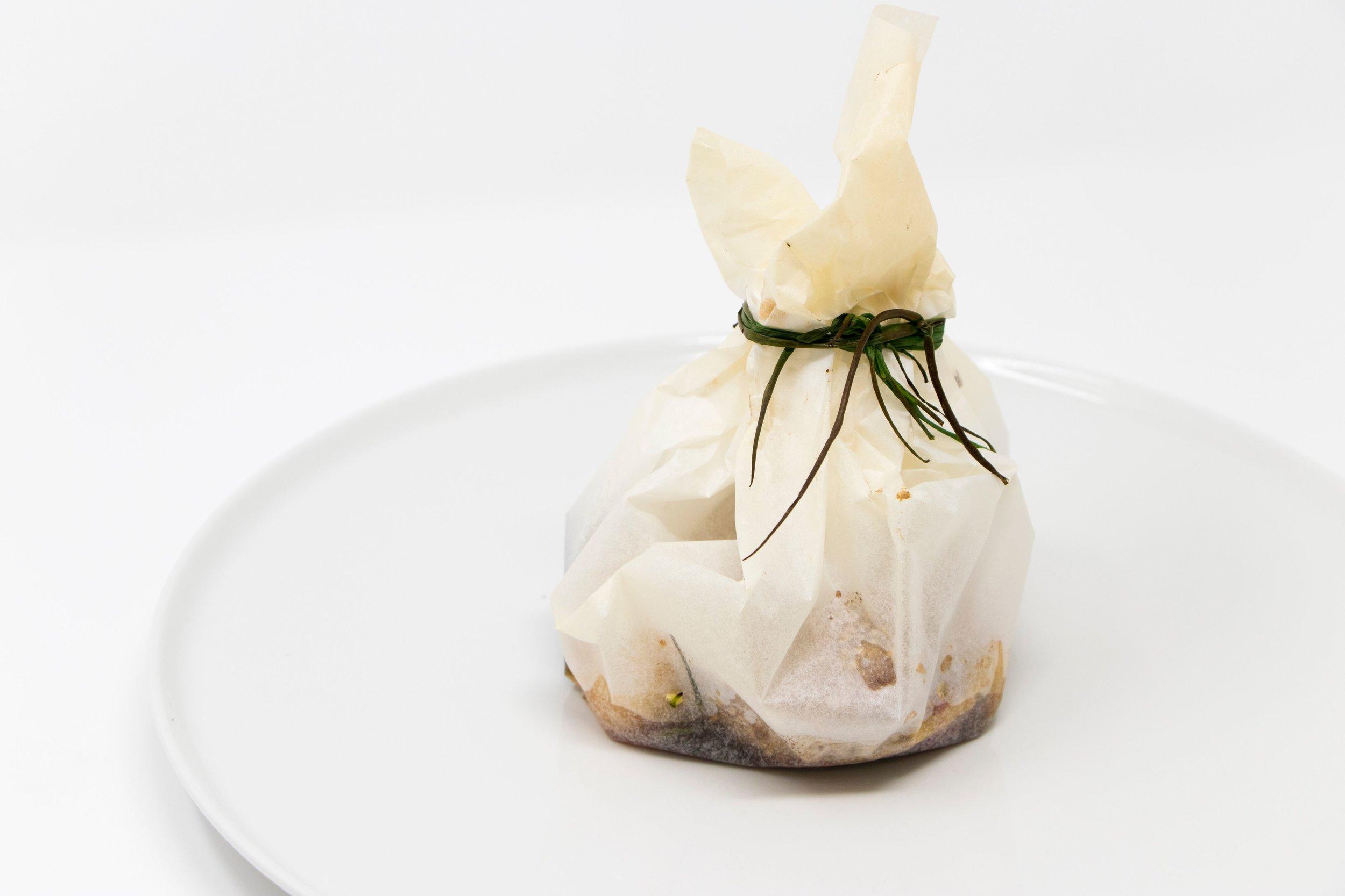 Cartoccio tonno e verdure (tuna and vegetable). Photo by Daruma.