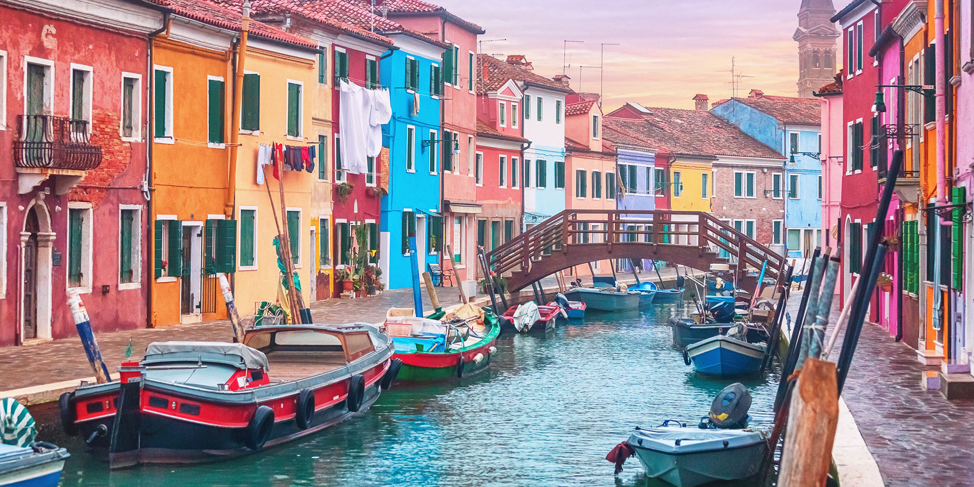 Catch the colors of Burano. (Photo: Getty Images)