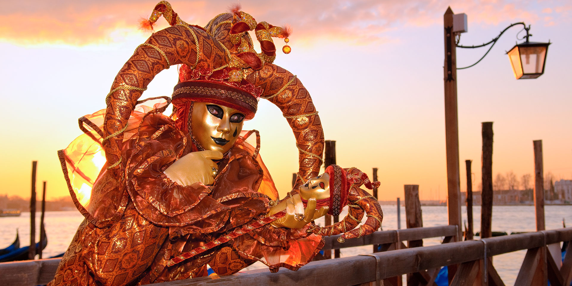 Get the lowdown on Carnevale in Venice. (Photo: Getty Images)