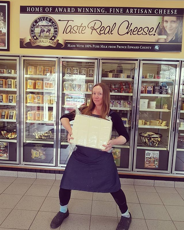 🌱CONTEST TIME!!!🌱 For a chance to win 2 free passes to the Ontario Fermentation Festival on August 3rd: ➡️Guess how much this giant block of mozzarella weighs! ➡️Tag the ferment friend you'd take to the festival! • Draw on Monday,  enter on FB and Instagram. Thanks to @blackrivercheese @gayleafoodscoop for letting us hug the giant cheese block.
