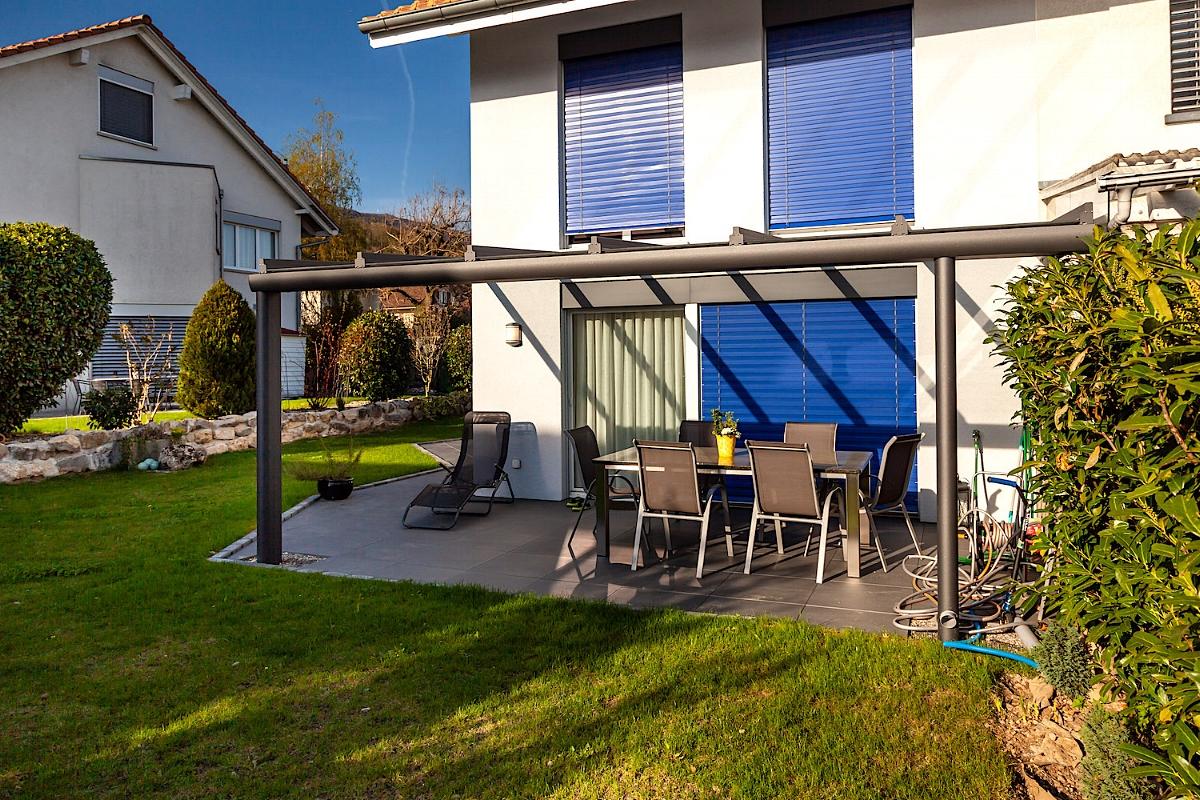Terrassenüberdachung Sitzplatzüberdachung Lengnau Schweiz