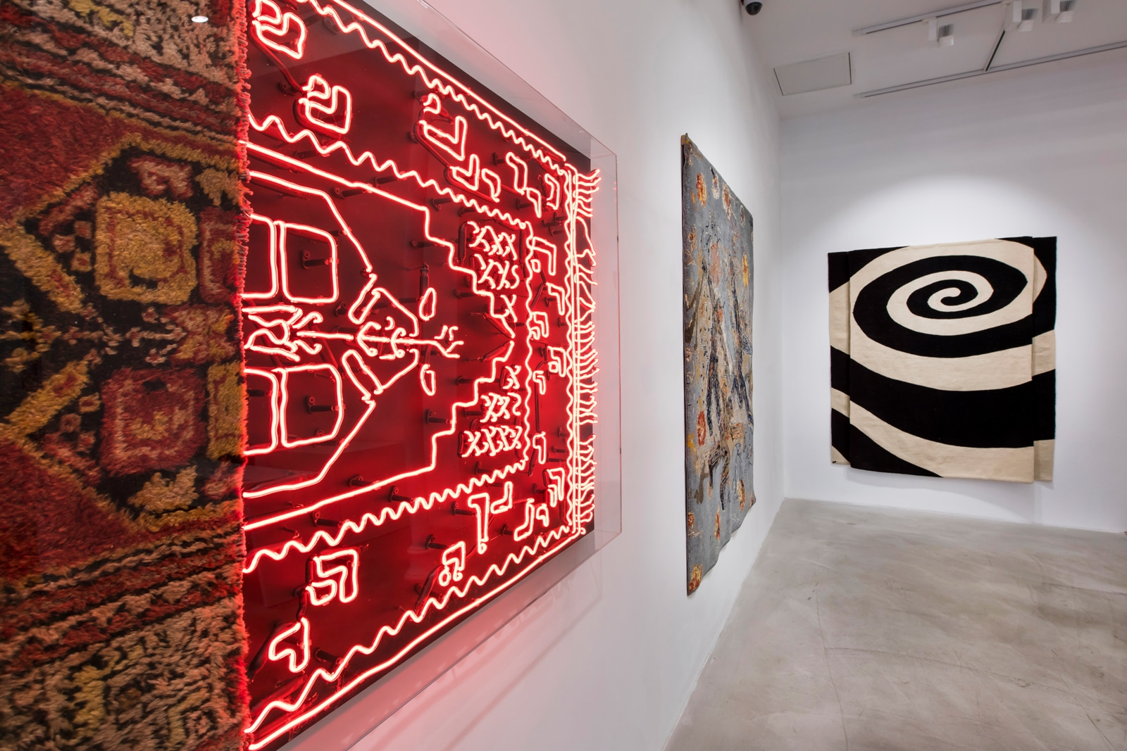 Tapestry_Woven_Tales_Installation_View_Anna_Laudel_22.jpg