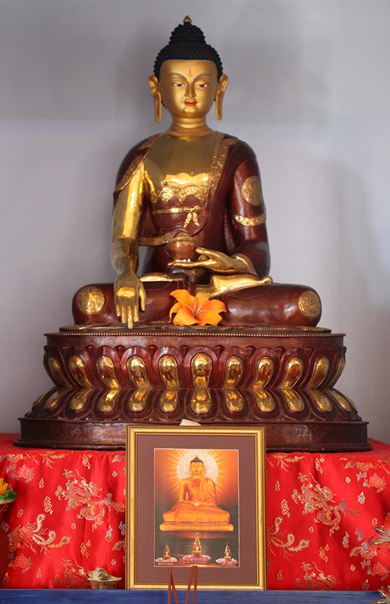 Statue_Shakyamuni.jpg