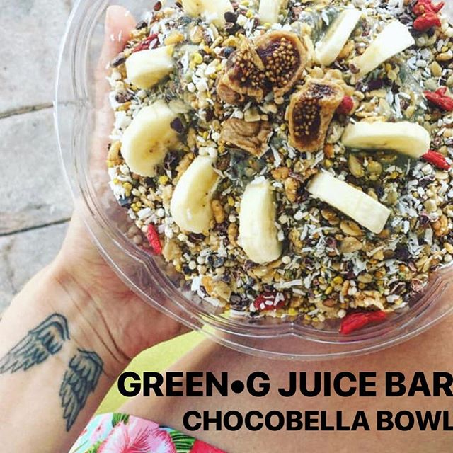Its all about nutrients 💚! Avocado•Spirulina•Organic Fruits• Goji Berries & MORE.  @mrtasana couldnt take a better shot 📸 of our delicious CHOCOBELLA BOWL.