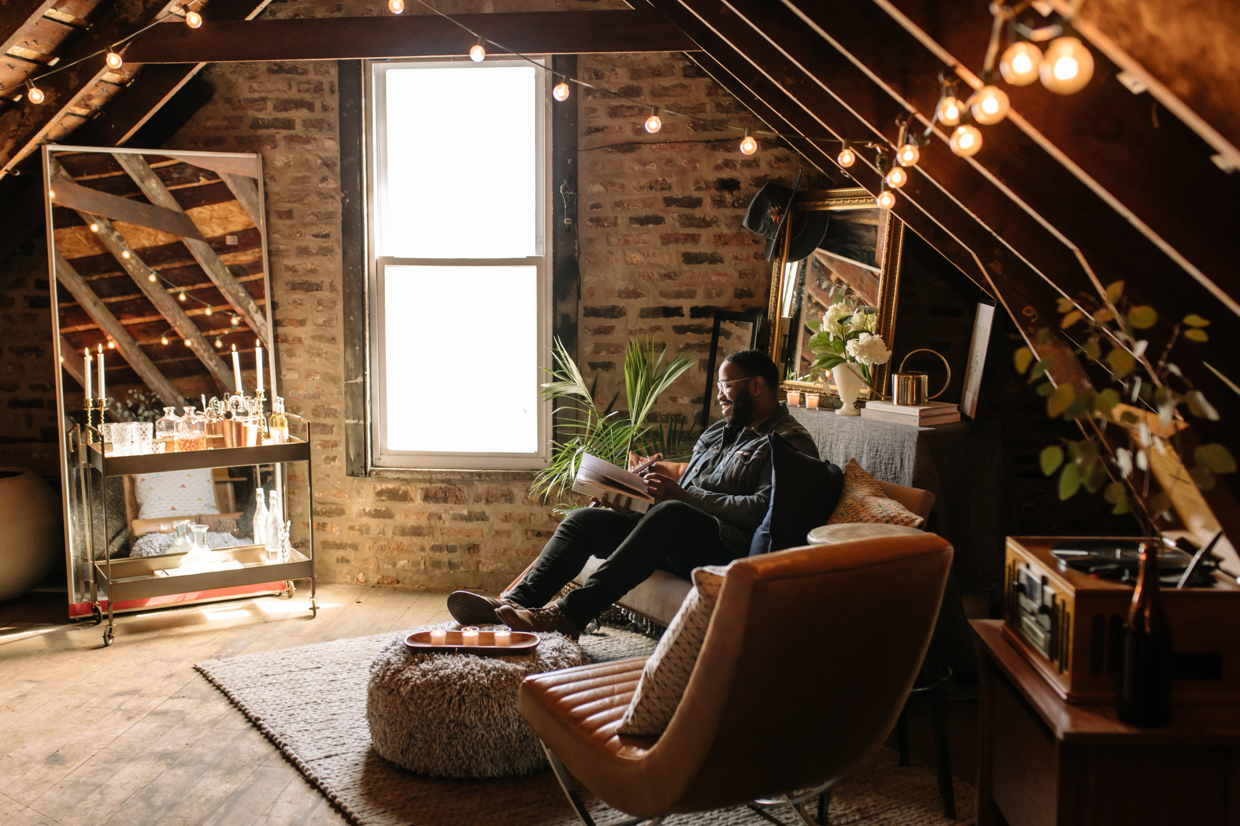 Cozy vibes on deck. Photo by Jesse Schroeder.