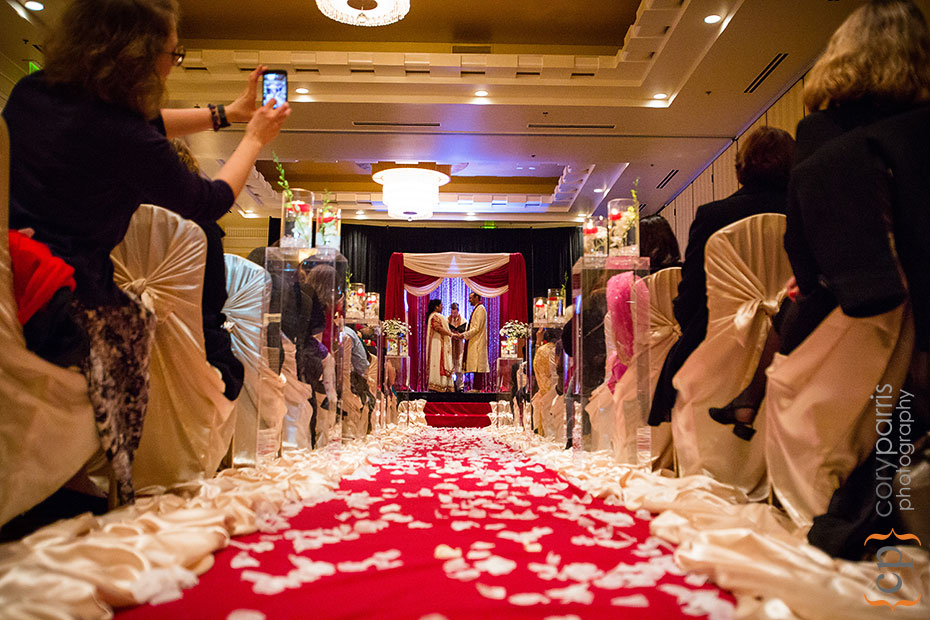 seattle-waterfront-marriott-wedding-027