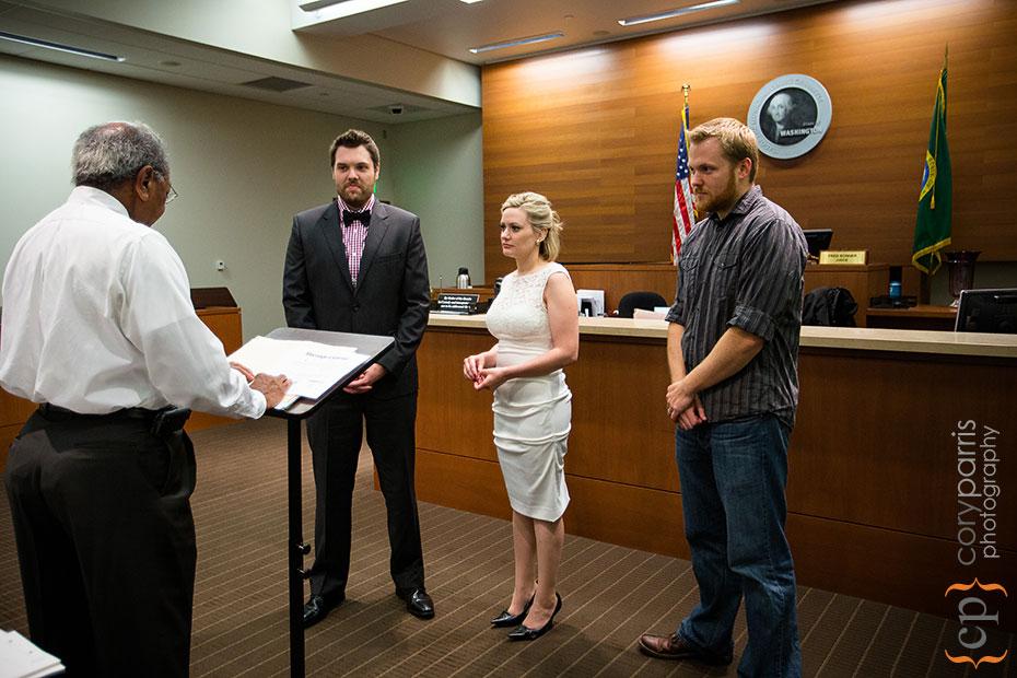 14-seattle-courthouse-wedding