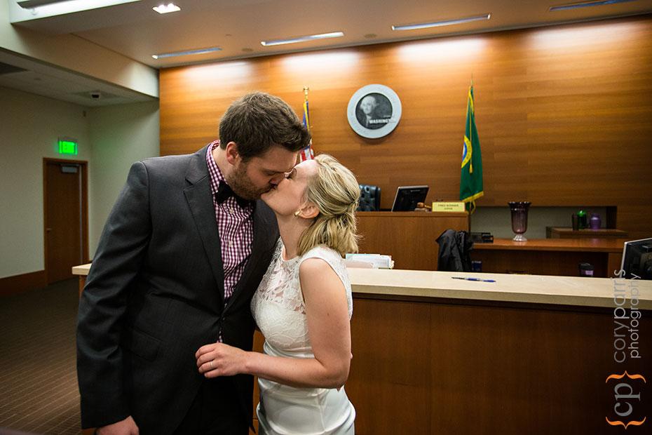 15-seattle-courthouse-wedding