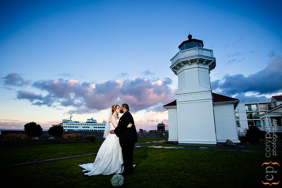 Wedding portrait at the Mukilteo lighthouse