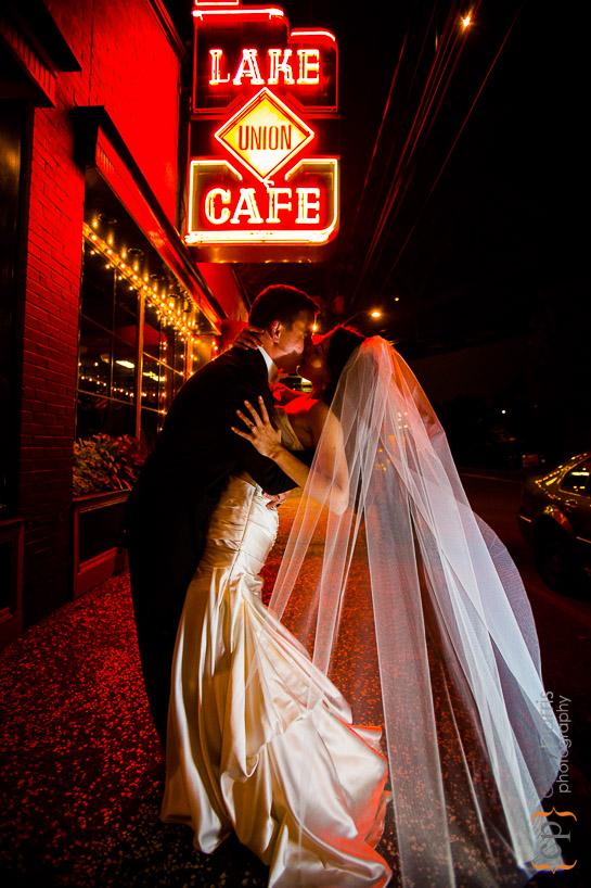 lake-union-cafe-seattle-wedding-photography-042