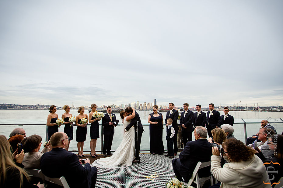 seattle-view-wedding-ceremony-at-saltys