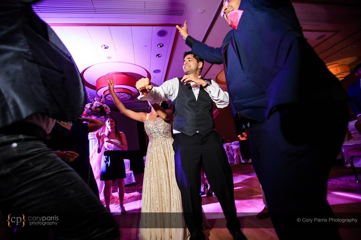 087-hyatt-bellevue-wedding-reception