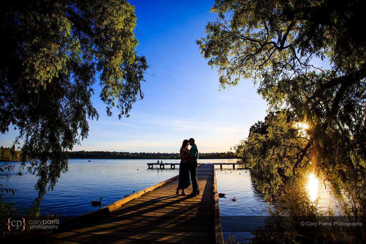 034-green-lake-engagement-portraits-seattle