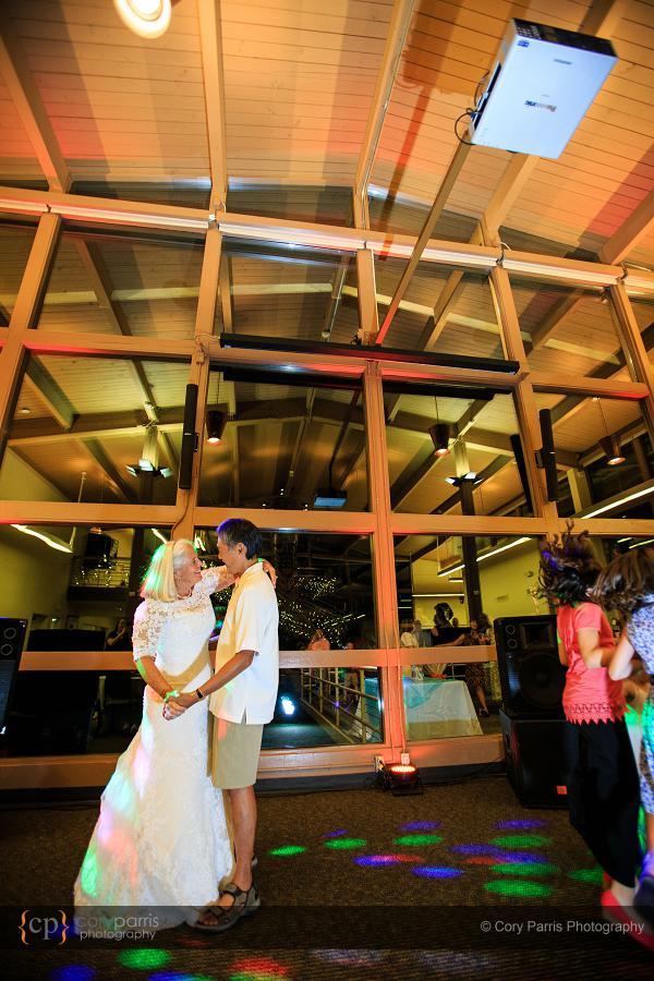 030-lake-wilderness-lodge-wedding