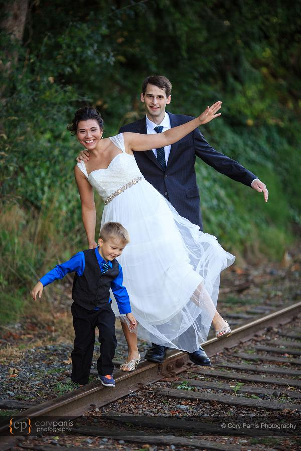 009-the-canal-seattle-wedding
