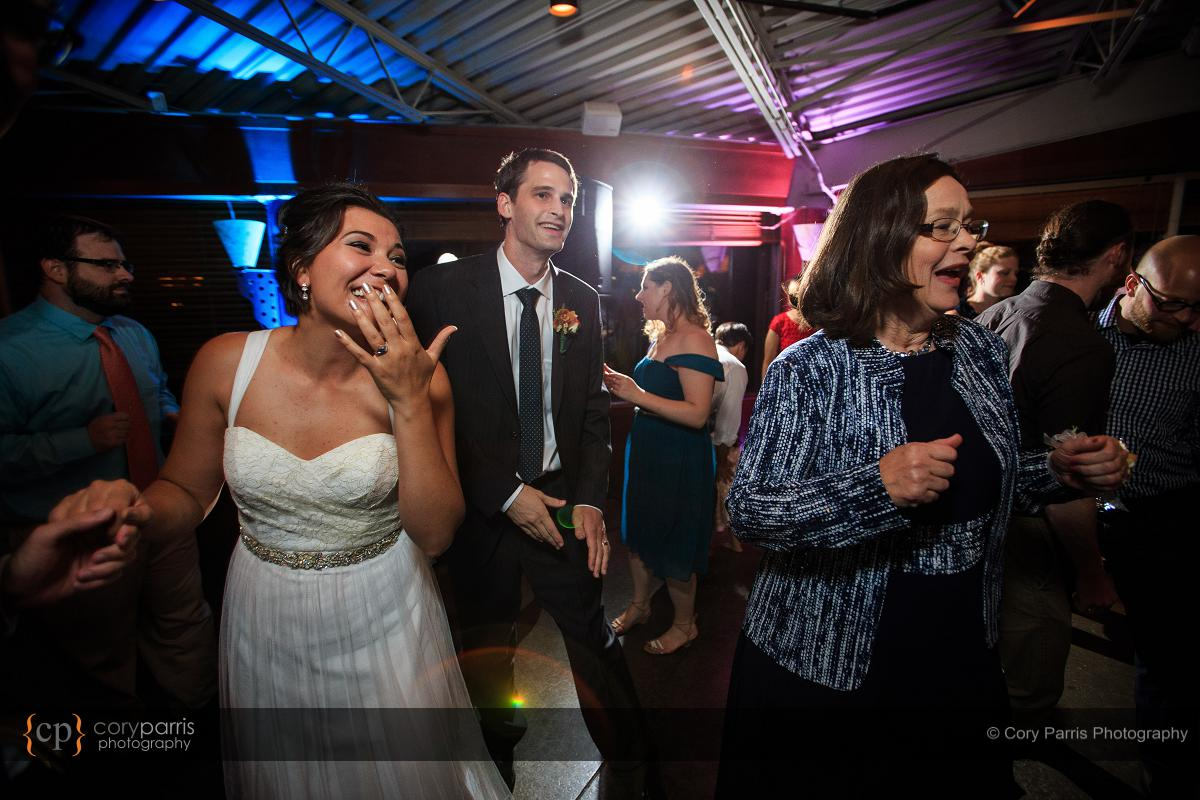 030-the-canal-seattle-wedding