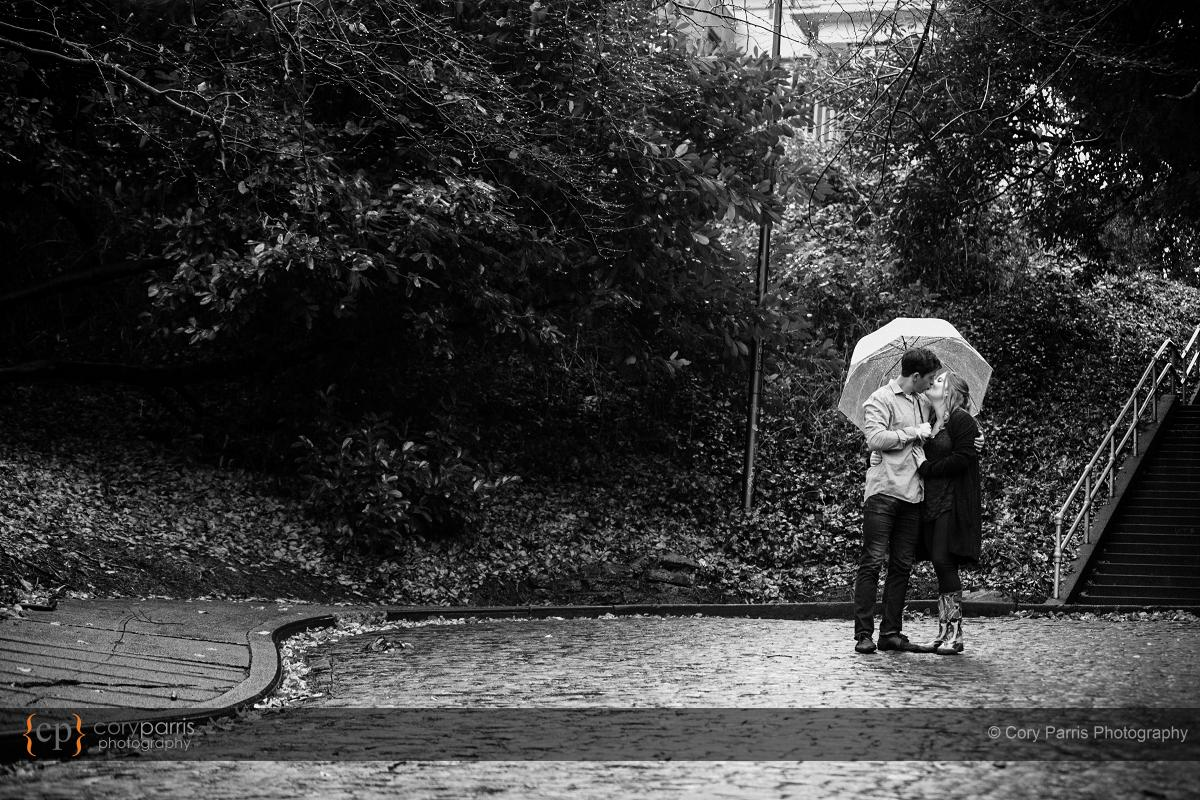 005-rainy-engagement-portraits-seattle