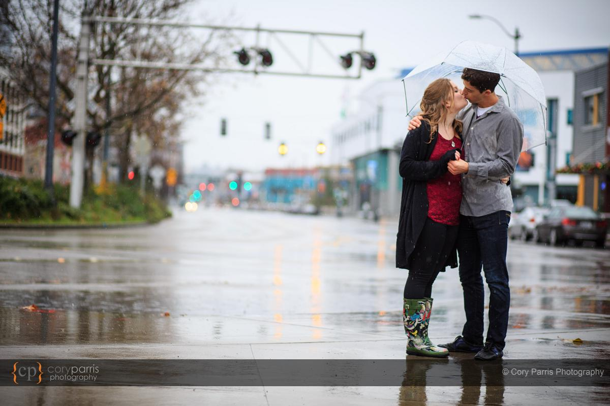 015-rainy-engagement-portraits-seattle