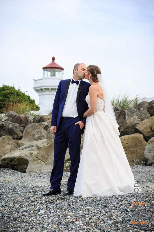 mukilteo lighthouse wedding portrait