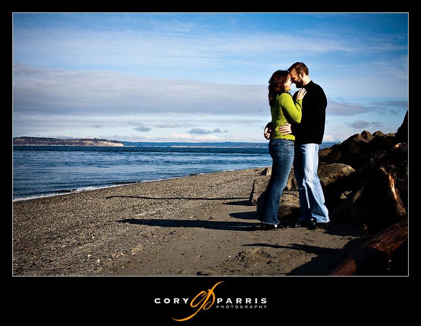 couple on mukilteo beach
