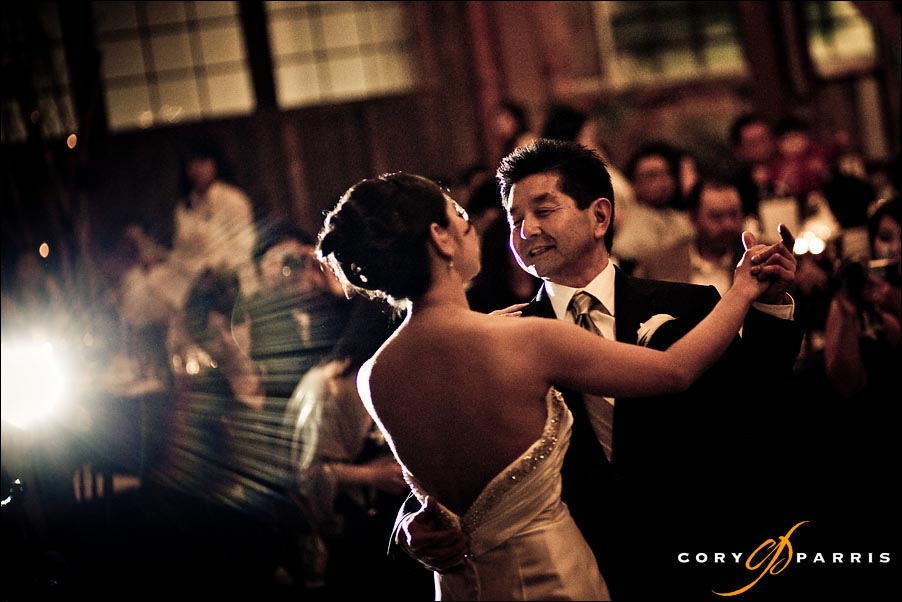 father and daughter dance at sodo park by seattle wedding photographer cory parris