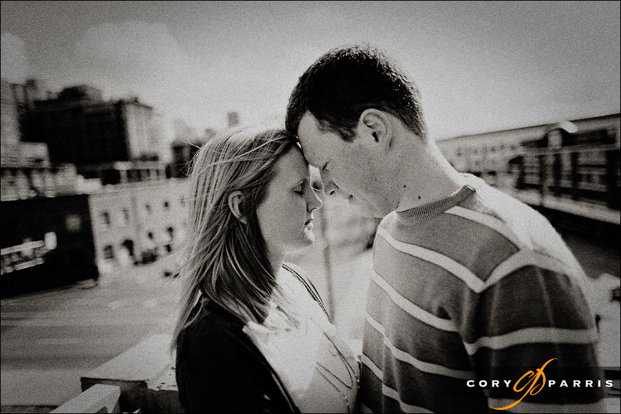 couple portrait at the olympic sculpture park in seattle