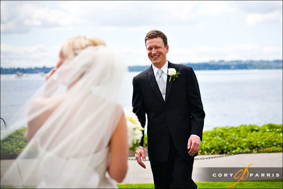 bride and groom's first look by seattle wedding photographer cory parris