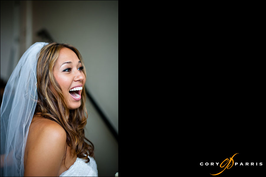 bride laughing at the golf club at newcastle