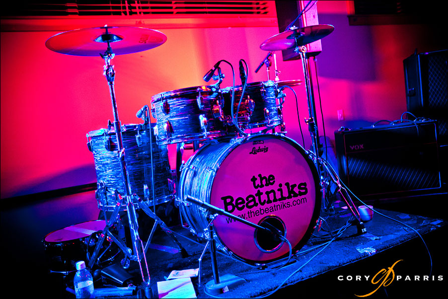 the beatniks stage setup by seattle wedding photographer cory parris