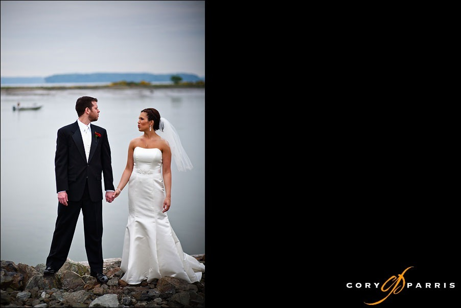 bride and groom doing the magnum look by everett wedding photographer cory parris