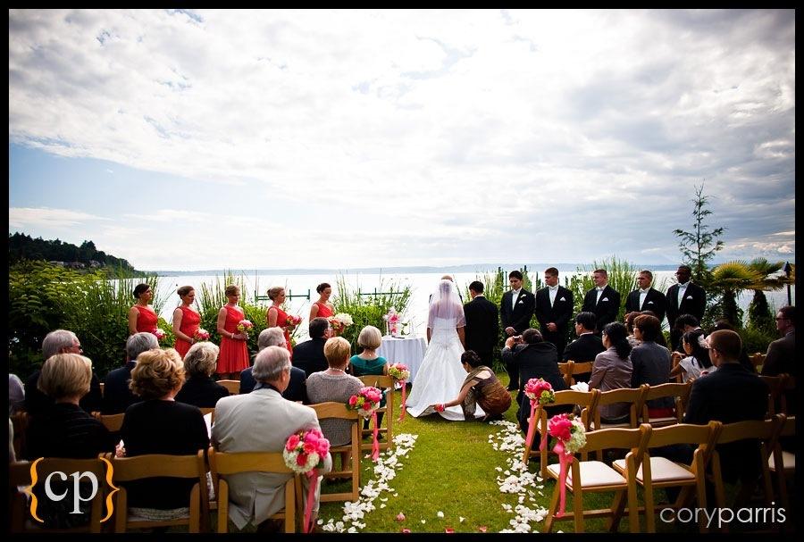wedding at the shilshole bay beach club lawn in seattle