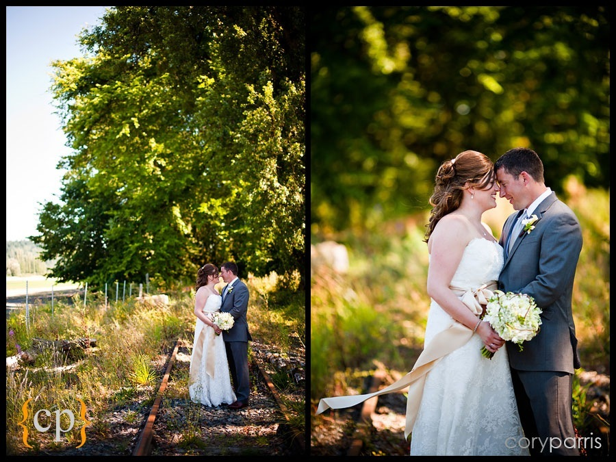 bride and groom portraits in woodinville
