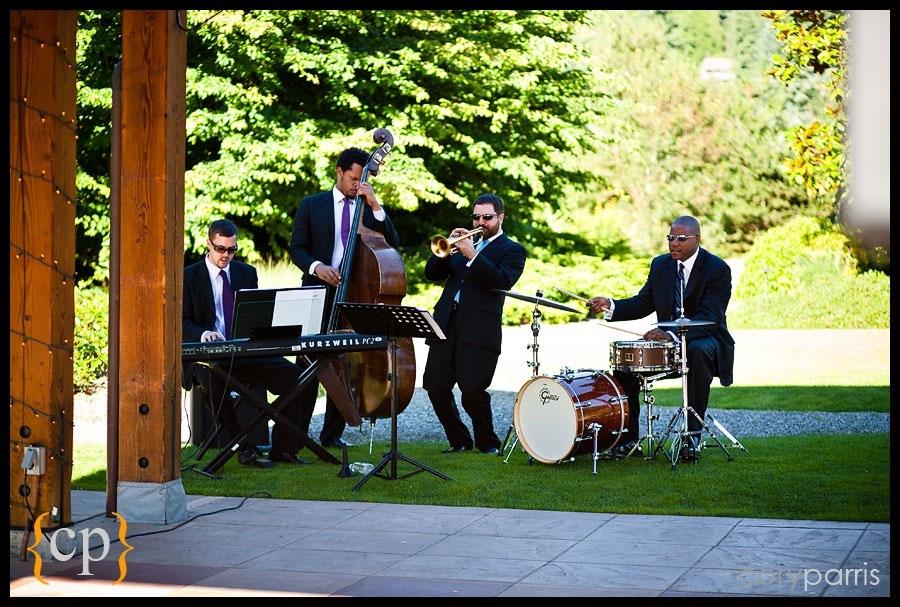 jason parker quartet playing at willows lodge wedding