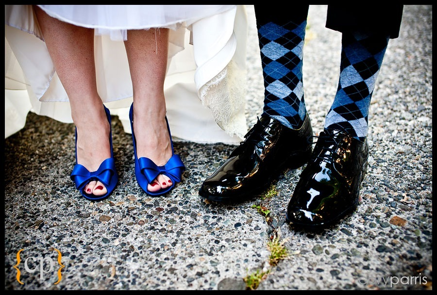 blue wedding shoes and argyle socks by seattle wedding photographer cory parris