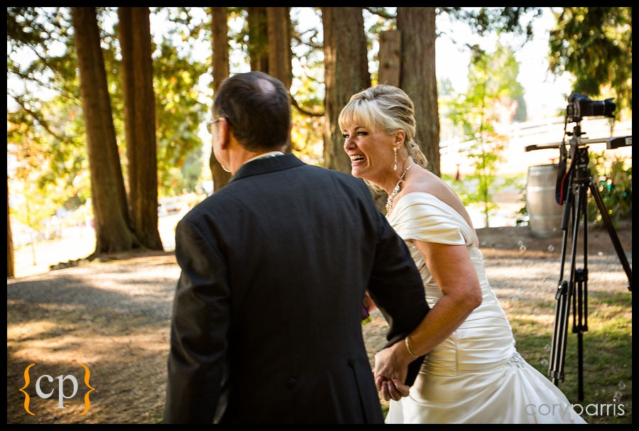 woodinville-wedding-at-delille-cellars-018.jpg